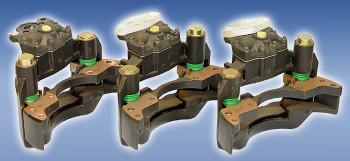 Przykładowe zaciski po procesie regeneracyjnym. Precyzyjnie dobrane części i odnowiony korpus dają gwarancję porównywalnej jakości w stosunku do zacisków fabrycznie nowych.